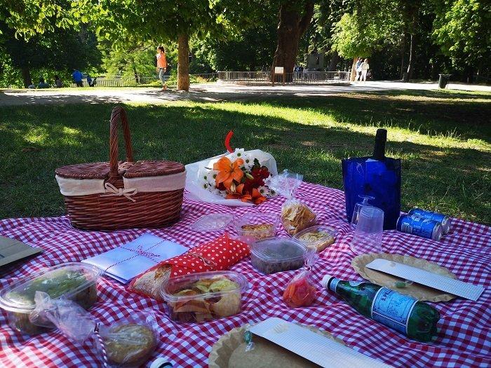 picnic flores en el retiro